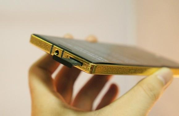 在越南推出24K镀金Lumia 930