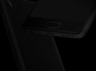 黑色Zuk Z2隐藏在黑暗中,简化的Z2 Pro揭示了类似的设计